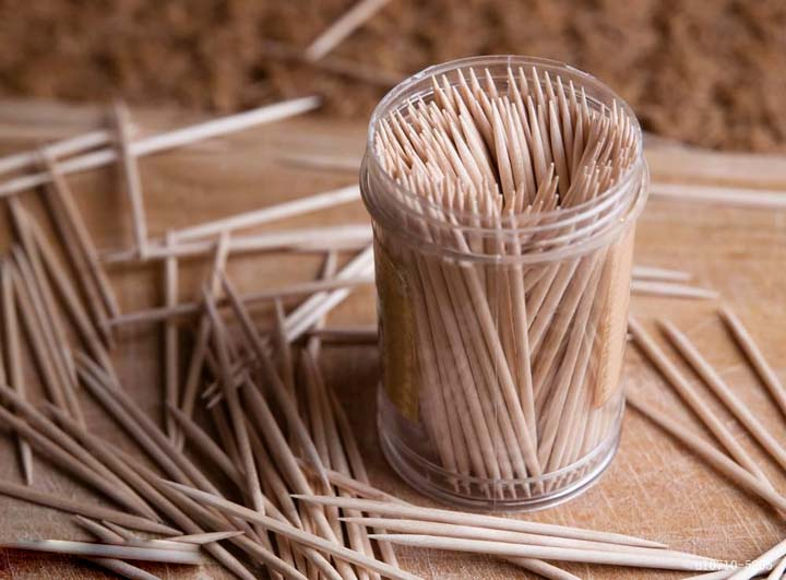 toothpicks made by the commercial toothpick machine