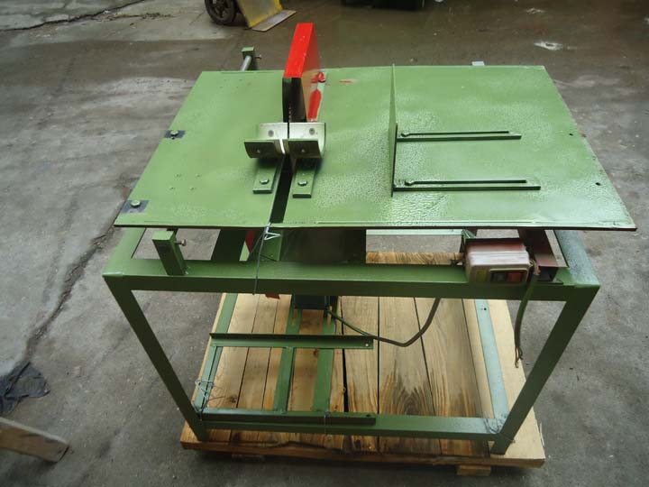 wood or bamboo sticks sawing machine